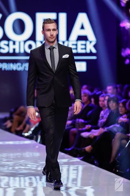 най-ценно дизайнерска мода предлагат отстъпки Мъжки костюми за абитуриенти от Carducci