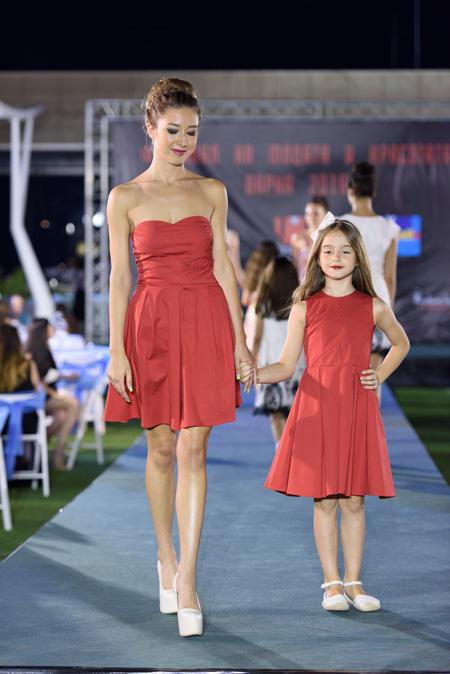 Колекция дамско и детско бутиково  облекло на Nixa на Фестивалa на модата и красотата Варна