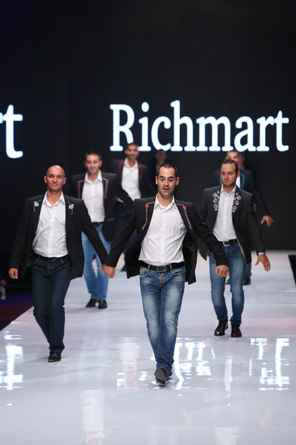 Richmart presented Bulgarian embroidery with dance at Sofia Fashion Week 2015