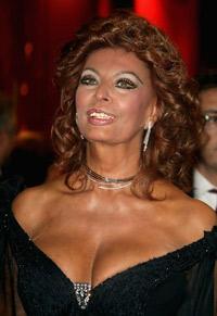 София Лорен става на 75 години