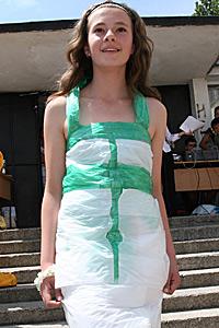 Ученици представиха модно еко ревю на рокли