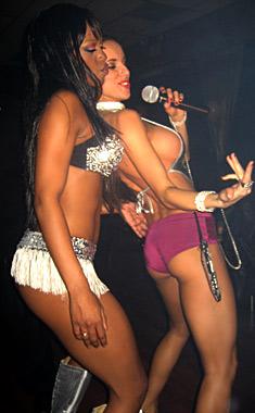 Анн-Джи с шоу в Лас Вегас