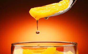 Дебелеем не от твърдата храна, а от плодовите напитки съдържащи захар или нейни заместители