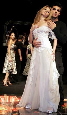 Елена от Биг Брадър 2 представя модна колекция