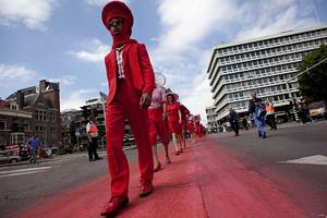Трикилометрово модно шоу в Хага