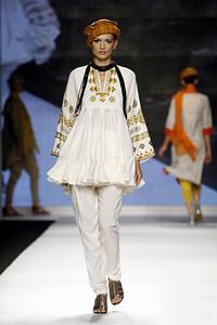 Индийски полъх на Седмицата на модата в Милано