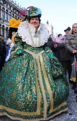 Шест сетива в шест квартала във Венеция