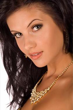 """""""Мис България Вселена"""" 2009 Елица Любенова замина за Бахмските острови"""