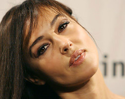 Моника Белучи с най-перфектните устни в света