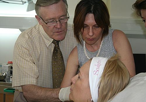 Топ лекар от Англия обучава наши естетични дерматолози и хирурзи