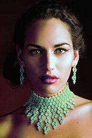 Кадър от творчеството на Ангел Цветанов – моден фотограф за 2006-та година