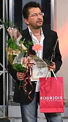 """""""Златна игла 2006"""" за моден грим току-що е преминала в ръцете на Ангел Цветанов"""