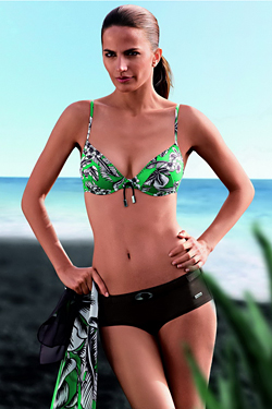 Плажна мода Триумф Лято 2010