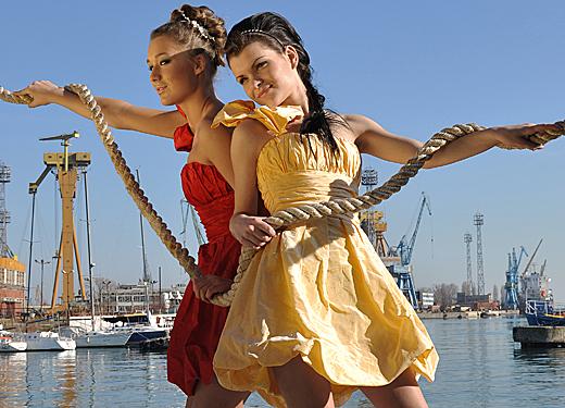 Най-новите модни линии абитуриентски и официални облекла на Holiday Sona