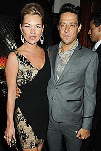 Кейт Мос се сгоди за Джейми Хинс на рождения си ден