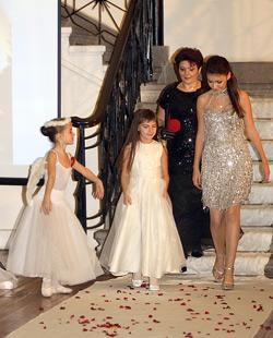 Весела Драганова с двете си дъщери – Мария и Йоана