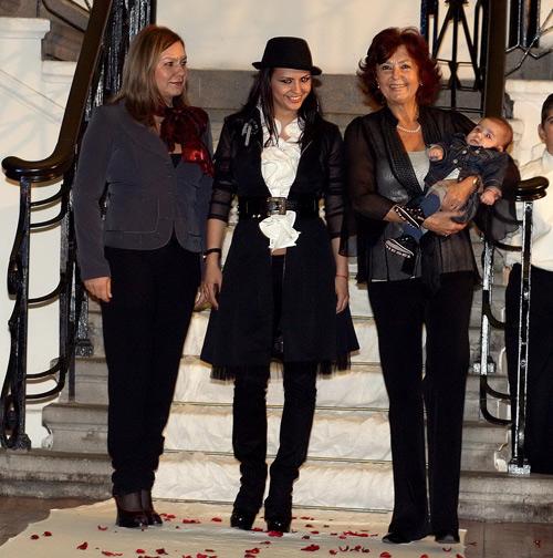 Анахид Тачева, нейната снаха - Мариана Цонева, внучката й - Десислава Цонева и нейният правнук – Янчо Таков