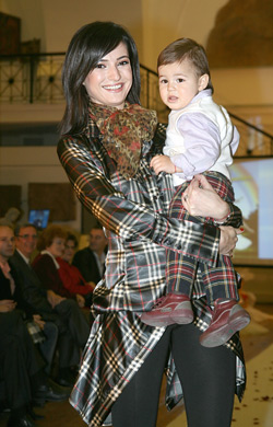 Бояна Димитрова със сина си Тома