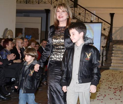 Маргарита Хранова с двамата си внука – Иван и Кристиян