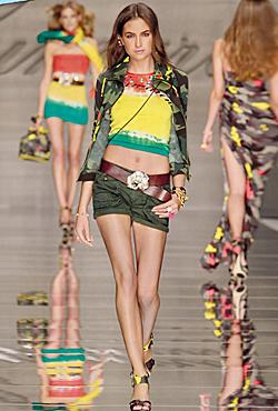 Модни тенденции за сезон пролет-лято 2010
