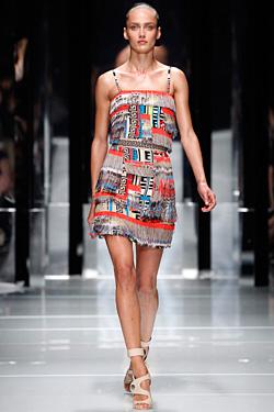Дамска колекция на Versace Пролет-Лято 2011