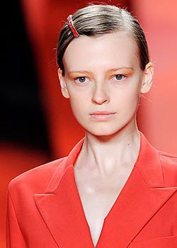 Мондите аксесоари за коса за пролет-лято 2010