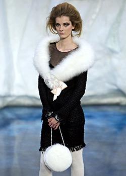 Есенно-зимната колекция на Шанел представена в Париж