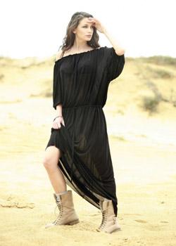 Диляна Попова със собствен бутик за дрехи