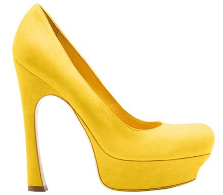 "Невероятните обувки с платформа на Ив Сен Лоран ""Palais pumps"" за сезон есен-зима 2010"