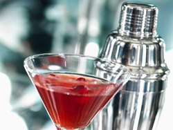 Долче и Габана дебютират с напитка с Martini