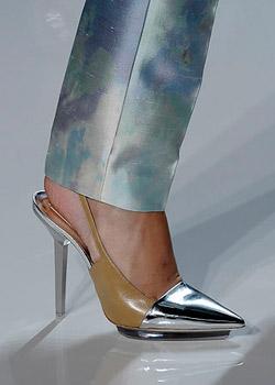 Майкъл Корс с лятна колекция чанти и обувки