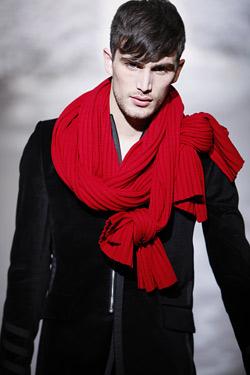 Мъжкият гардероб да е червен по Коледа