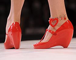 Какви обувки ще носим през лято 2010