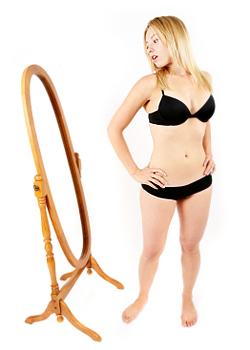 Защо жените мислят, че са дебели