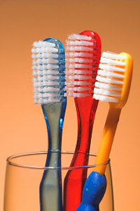 След настинка сменете червилото и четката за зъби