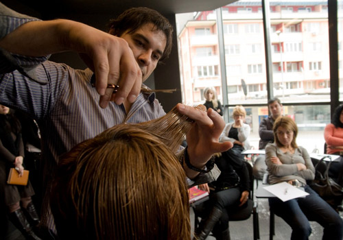 Васил Михайлов разкрива уникалният метод на подстригване Stephan