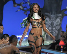 Victoria's Secret с горещо модно шоу в Ню Йорк