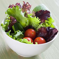Зелената салата помага за храносмилането