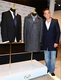 Роби Уилямс представи новата си модна линия в Лондон