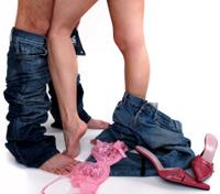 Жестовете, които издават, че жената иска нещо повече от обикновени ласки