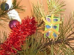 Новогодишна украса от стари картонени опаковки