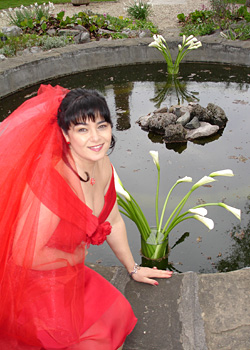 Сватба в две части за дизайнер Поля Миланова