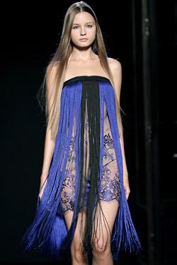 За Нова година изберете прозрачна рокля