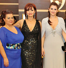 ВИП дами в тоалети на Bridal Fashion на петия руски бал