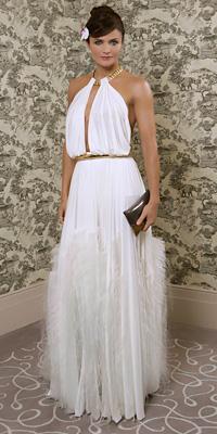 Хелена Кристенсен представи новата колекция луксозно бельо Triumph Essence