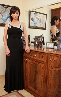 Мая Цакова -елегантна в навечерието на наградите Бизнес дама на годината
