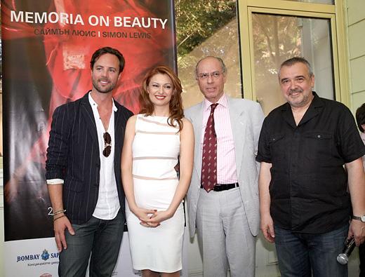 Саймън Люис гостува на своят европейски куратор – Десислава Монева