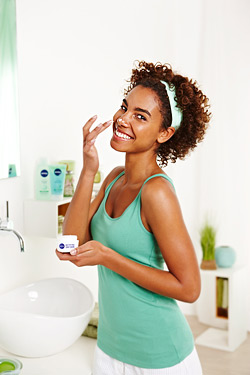 Обновената серия за лице Nivea Aqua Effect предлага цялостна грижа за всеки тип кожа
