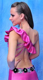 Вълшебни бални рокли за сексапилни абитуриентки