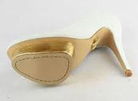 Обувки със златисти и сребристи подметки - хит тенденция за 2012